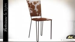 Chaise vintage et design en métal noir et fourrure tachetée