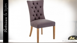 Chaise de repas en tissu taupe à dossier capitonné