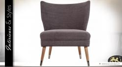 Fauteuil chauffeuse scandinave en tissu gris et bois naturel