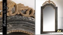 Miroir de style baroque et vieilli en teck sculpté 120 cm