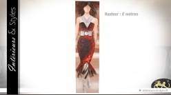 Grande toile peinte : jeune femme en robe rouge (2 mètres)