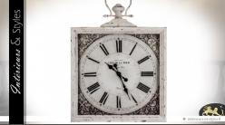 Horloge murale rétro carrée patine blanc antique 62 x 62 cm