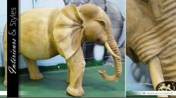 Grande sculpture d'éléphant sur bois