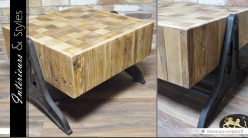 Table basse de style industriel en bois et en métal vieilli