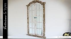 Miroir mural de style brocante en forme de fenêtre