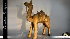 Statuette chameau sculptée à la main ornementation laiton doré