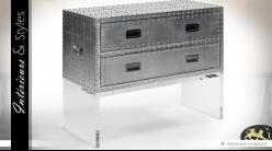 Commode Aviator métal riveté argenté 2 tiroirs sur support méthacrylate