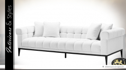 Canapé blanc en tissu capitonné et matelassé | Eichholtz Aurelio 240 cm