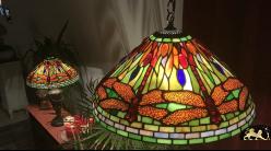 Grande suspension emblématique Tiffany : Envol de libellules - Ø50cm