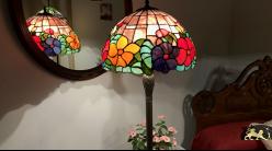 Très grand lampadaire Tiffany : Bouquet de lumière - 173cm / Ø41cm