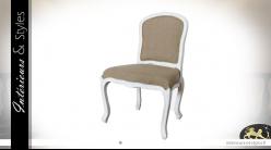 Chaise de salle à manger en bois patiné blanc et assise moelleuse effet lin foncé